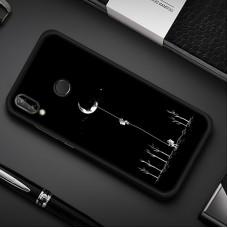 Чехол для Huawei P Smart Plus (Человек на луне)